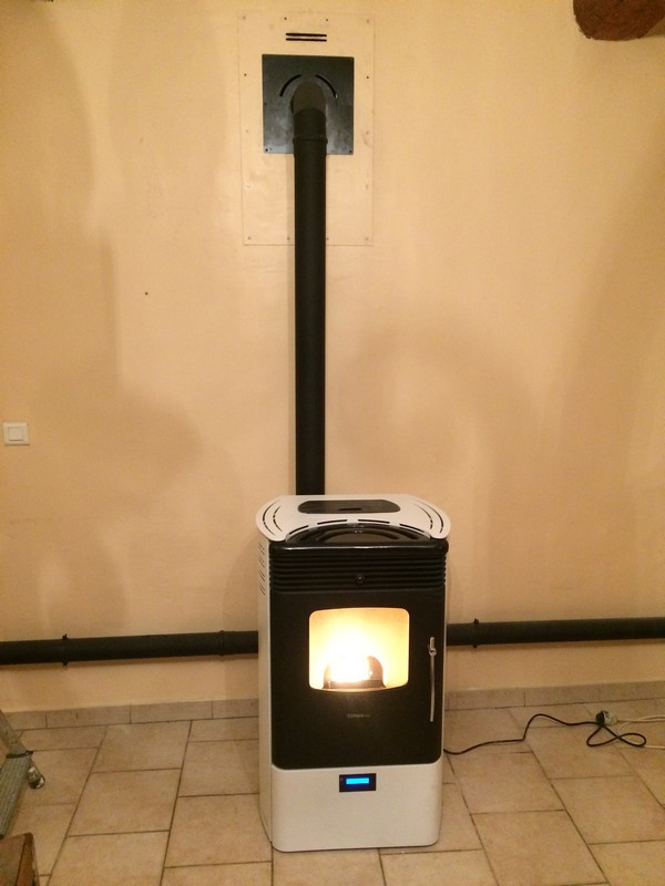 Stove Italy Luna Double canalisation Blauvac.jpg